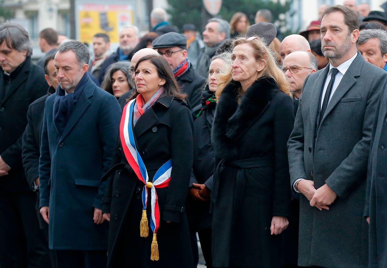 A presidente da Câmara Municipal de Paris, Ana Hidalgo, acompanhada pela ministra da justiça francesa Nicole Belloubet e pelo ministro francês do Interior, Christophe Castaner