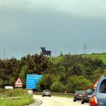 Portugueses vão em romaria a Espanha comprar gás a metade do preço