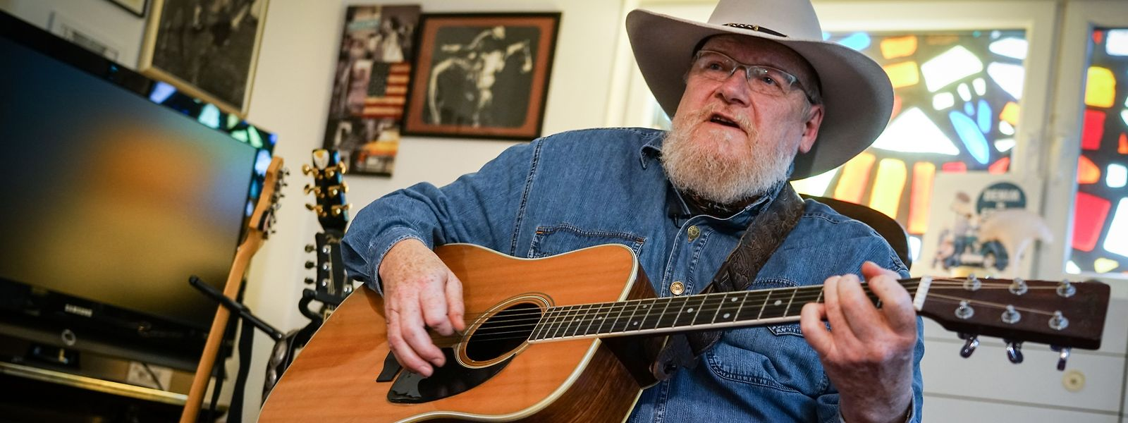 Aus Claude Weber wird Buffalo C. Wayne: Der Ettelbrücker tourt als Berufsmusiker um die Welt.