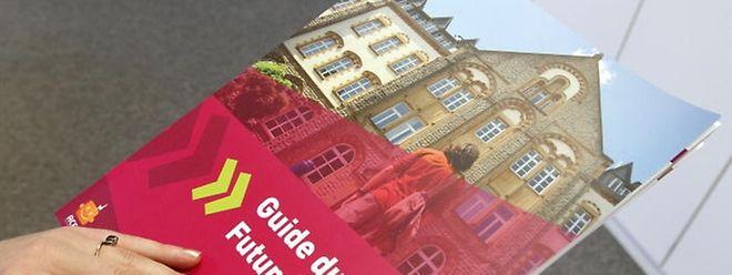 """Für angehende Studenten ein Muss: Der neue """"Guide du futur Etudiant""""."""