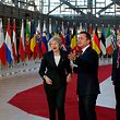 Xavier Bettel e Theresa May em Bruxelas.