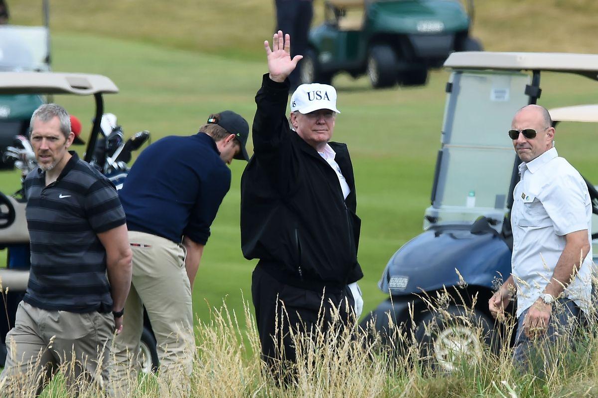 Als Privatmann besucht Trump einen Golfclub in Schottland.