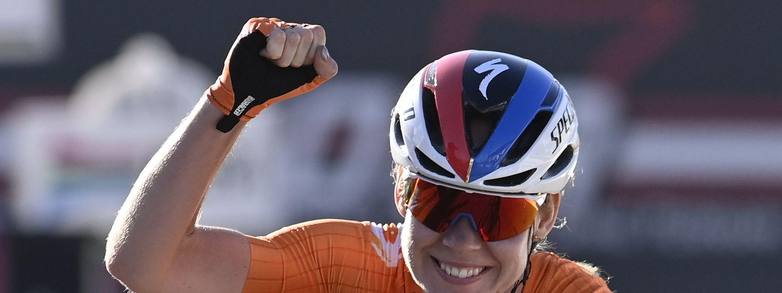 Anna van der Breggen kann erneut jubeln.