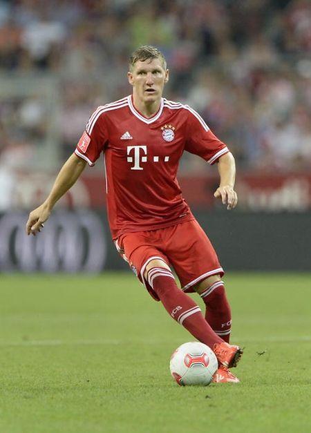 """""""Schweini"""" hatte das Bayern-Trikot voriges Jahr abgelegt und war zu Manchester United gewechselt."""