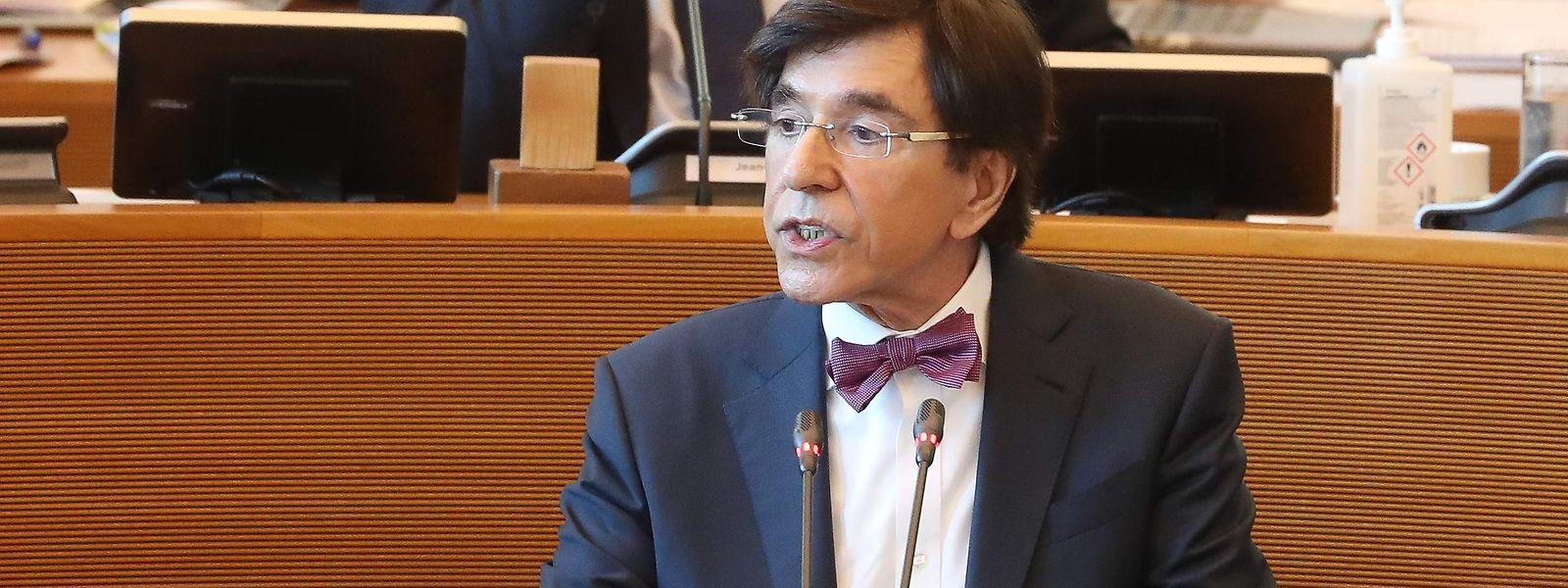 Le ministre-président Elio Di Rupo jette un regard lucide sur la situation de la Wallonie. Les taxes rentrent beaucoup moins dans les caisses qu'espérées.