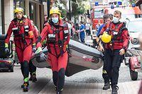 Hochwasser nach Starkregen , Echternach , Evakuierung per Boot  ,  Foto:Guy Jallay/Luxemburger Wort