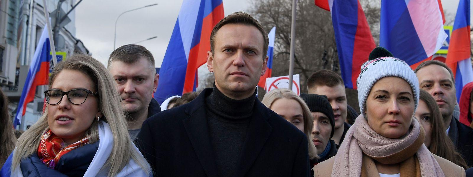 Alexei Navalny numa manifestação anti-Kremlin, em Moscovo, a 29 de fevereiro deste ano.