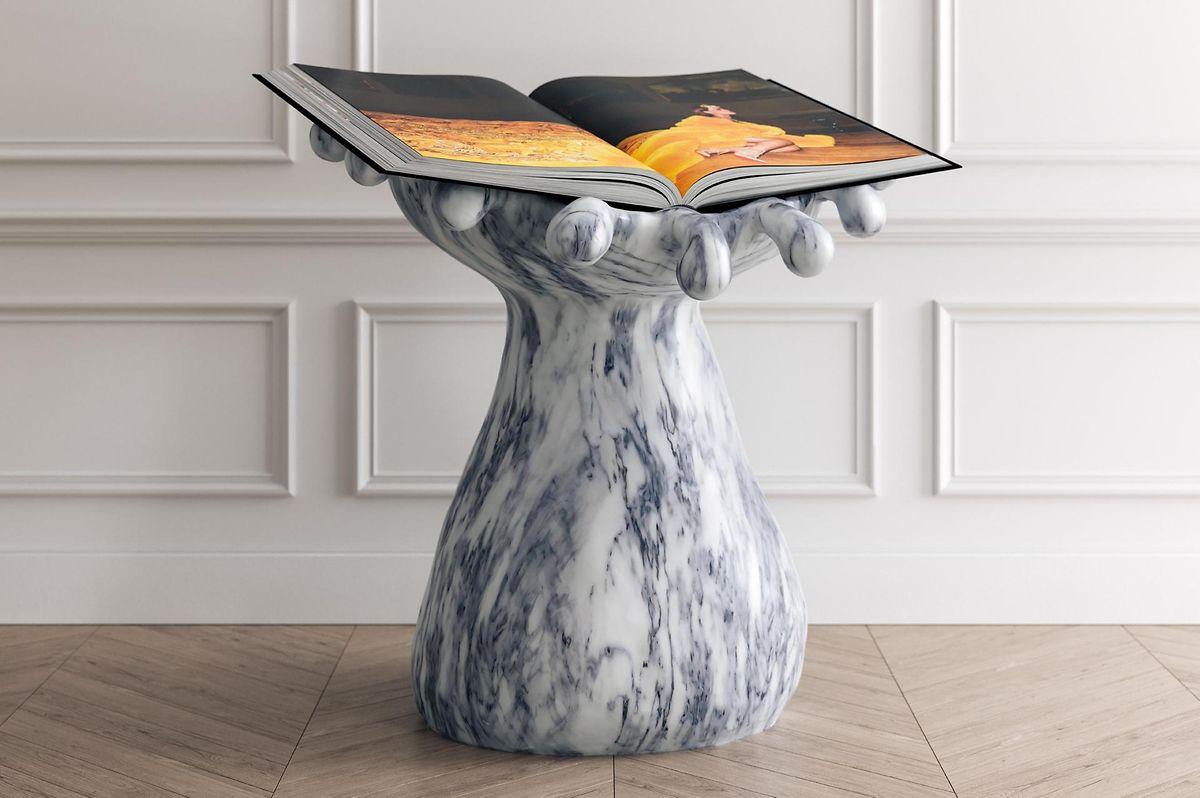 A versão mais cara do livro, com mármore português. Custa 101 mil euros.