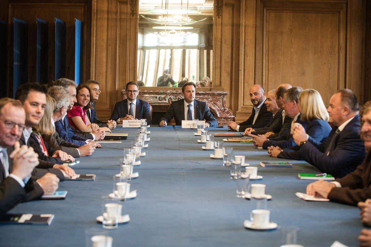 Die Vorbereitungen zu den Koalitionsverhandlungen haben begonnen.
