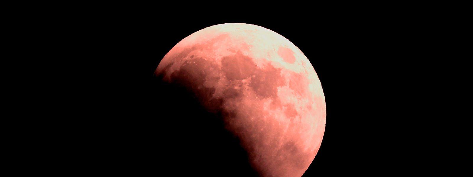 En 1969 l'Homme met son pied pour la première fois sur la lune.