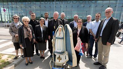 Arrivee de l'image de Notre Dame de Fatima ä l'Aéroport du Findel. Foto:Gerry Huberty