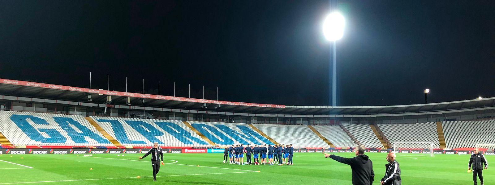 Die FLF-Auswahl trainiert im Stadion Rajko Mitic.