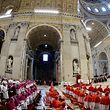 """Die bevorstehende Bischofssynode soll nach dem Willen des Papstes """"konkrete Lösungen"""" bringen."""