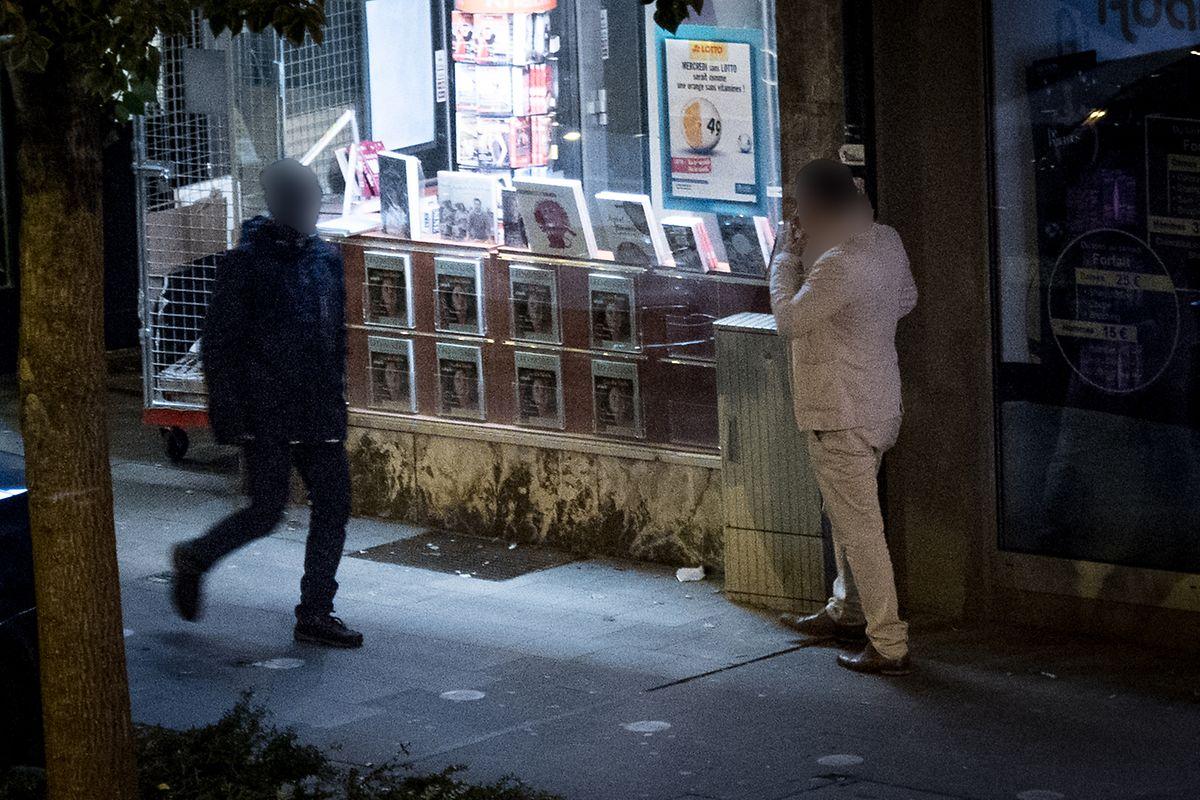 Imagem noturna da rue de Strasbourg, no bairro da Gare, na capital.