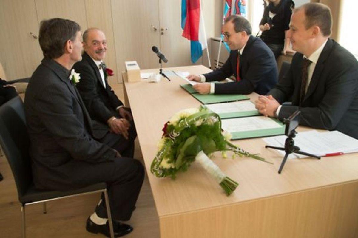 O novo burgomestre de Differdange, Roberto Traversini, presidiu à cerimónia