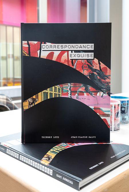 Un livre d'artiste accompagne l'exposition.