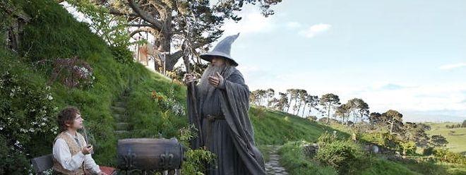 Der Film ''Hobbit, eine unerwartete Reise'' war in Deutschland ab 12 Jahren freigegeben. In Luxemburg ab sechs Jahren.