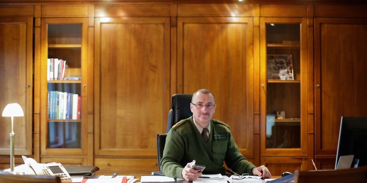 Generalstabschef Alain Duschène in seinem Büro in der hauptstädtischen Rue Goethe. Ende August 2018 zieht der Etat-Major übergangsweise nach Gasperich an die Route d'Esch.