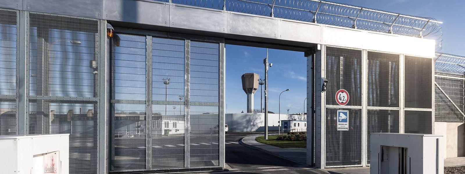 In der Haftanstalt Schrassig beteiligten sich in den vergangenen Tagen immer mehr Insassen an Streiks.
