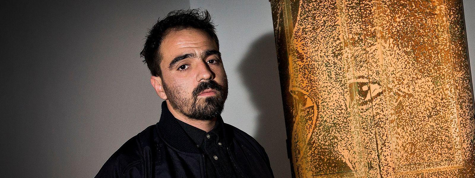 O artista português Alexandre Farto, que assina como Vhils.