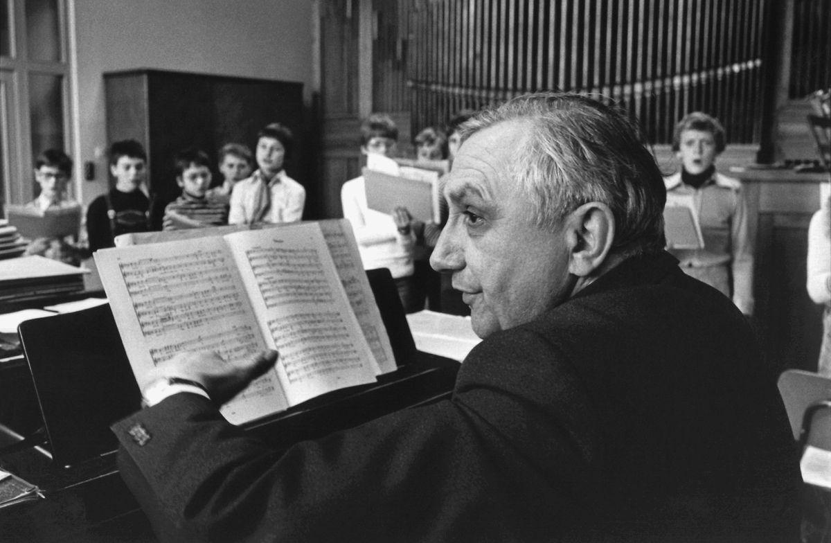 1989: Georg Ratzinger, aufgenommen bei einer Chorprobe.