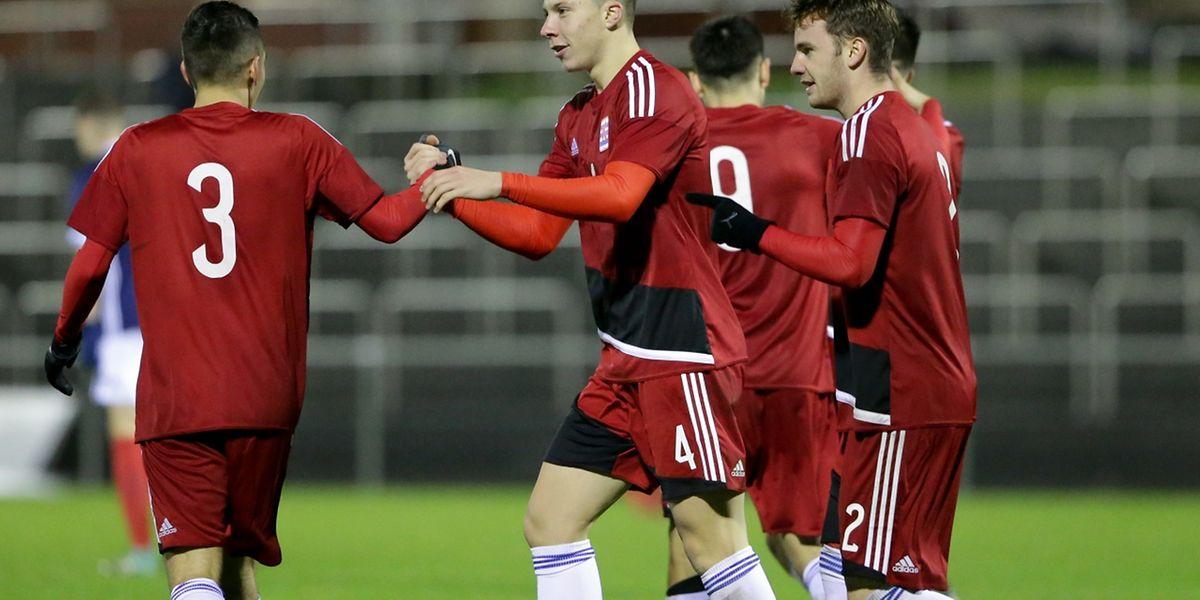Kevin D'Anzico (n°4) marcou o golo que deu o empate dos 'leões vermelhos'.