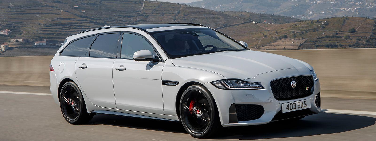 Mit dem XF Sportbrake meldet sich Jaguar zurück im Kombi-Segment: Neben ihrem schicken Design erfreut die zweite Generation des Edellasters mit sportlichen Motoren.