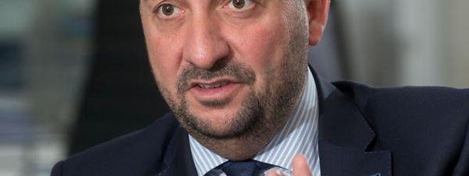 Vizepremier Etienne Schneider glaubt nicht an die schlechten Umfragen und will die aktuelle Regierung auch über 2018 hinaus weiterführen.