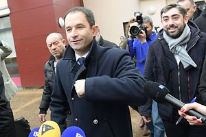 Selon les premiers résultats provisoires annoncés vers 20 h45, Benoît Hamon avait remporté 58,65% des suffrages au second tour de la primaire de gauche.