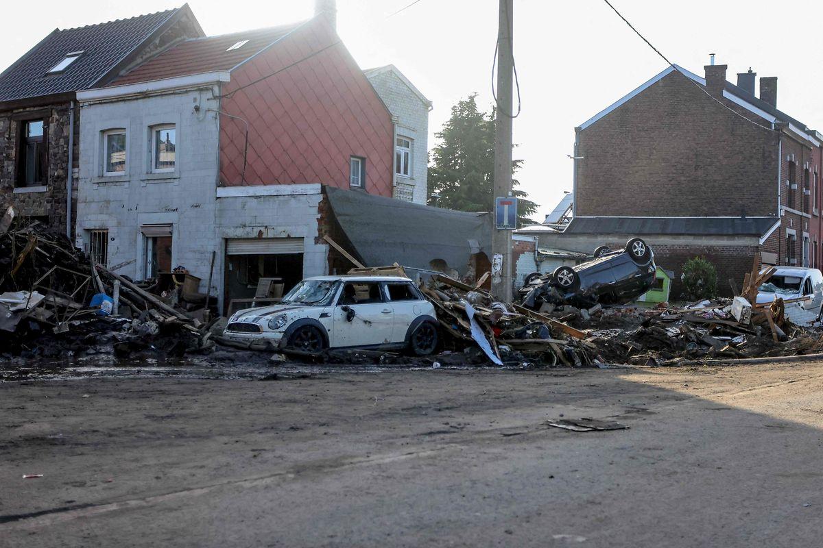 Zerstörungen in Vaux-sous-Chevremont (Belgien).