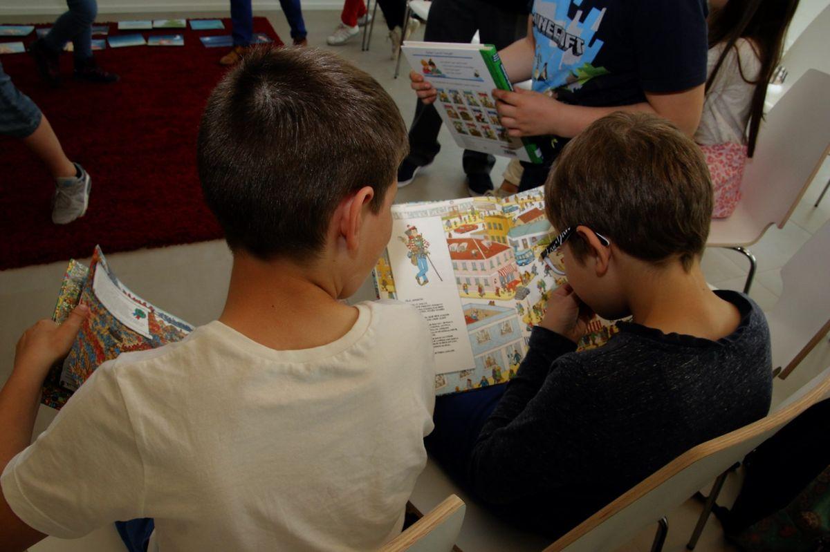 Os alunos tiveram contacto com novos livros e autores