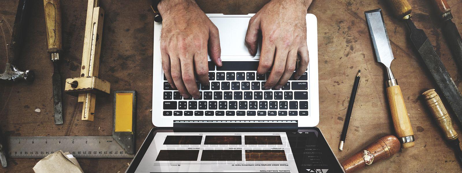Um dos exemplos referidos pelo sindicato são os funcionários de plataformas digitais, que estão excluídos de muitas disposições de proteção.