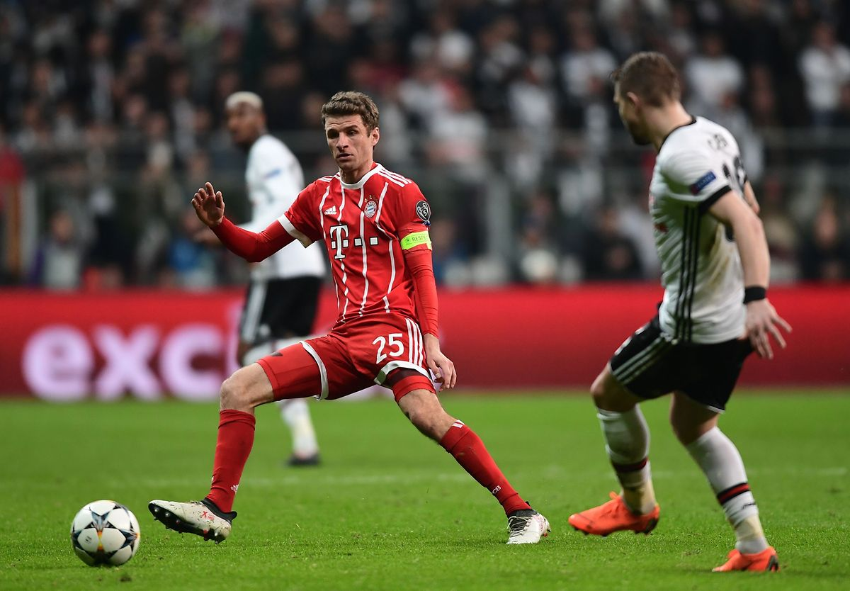 Thomas Mueller (en rouge) et le Bayern ont tranquillement composté leur ticket pour les quarts de finale