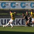 Mario Pokar (F91 Düdelingen - 8) trifft zum 1:0 / Fussball BGL Ligue Luxemburg, 21. Spieltag Saison 2018-2019 / 20.04.2019 / FC Progrès Niederkorn - F91 Düdelingen / Stade Jos Haupert / Foto: Yann Hellers