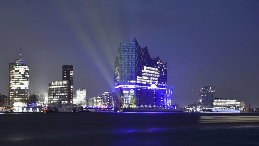 Nach zehnjähriger Bauzeit konnte die Elbphilharmonie am Mittwoch ihrer Bestimmung übergeben werden.