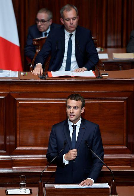 Macron pochte vor beiden Kammern des Parlaments am Montag auf einen tiefgreifenden Wandel des Landes.