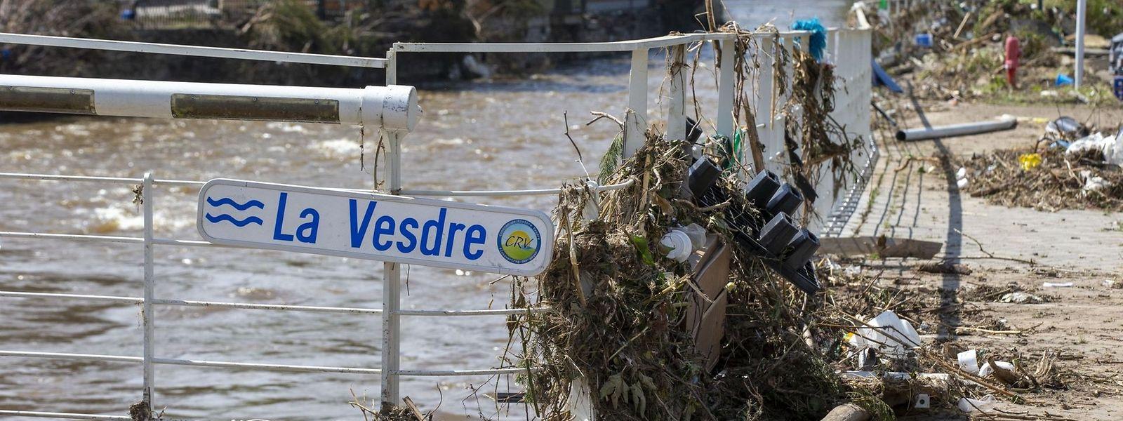 Certains scientifiques et élus estiment que le barrage d'Eupen, dans la vallée de la Vesdre, aurait dû être délesté du trop-plein d'eau beaucoup plus tôt.