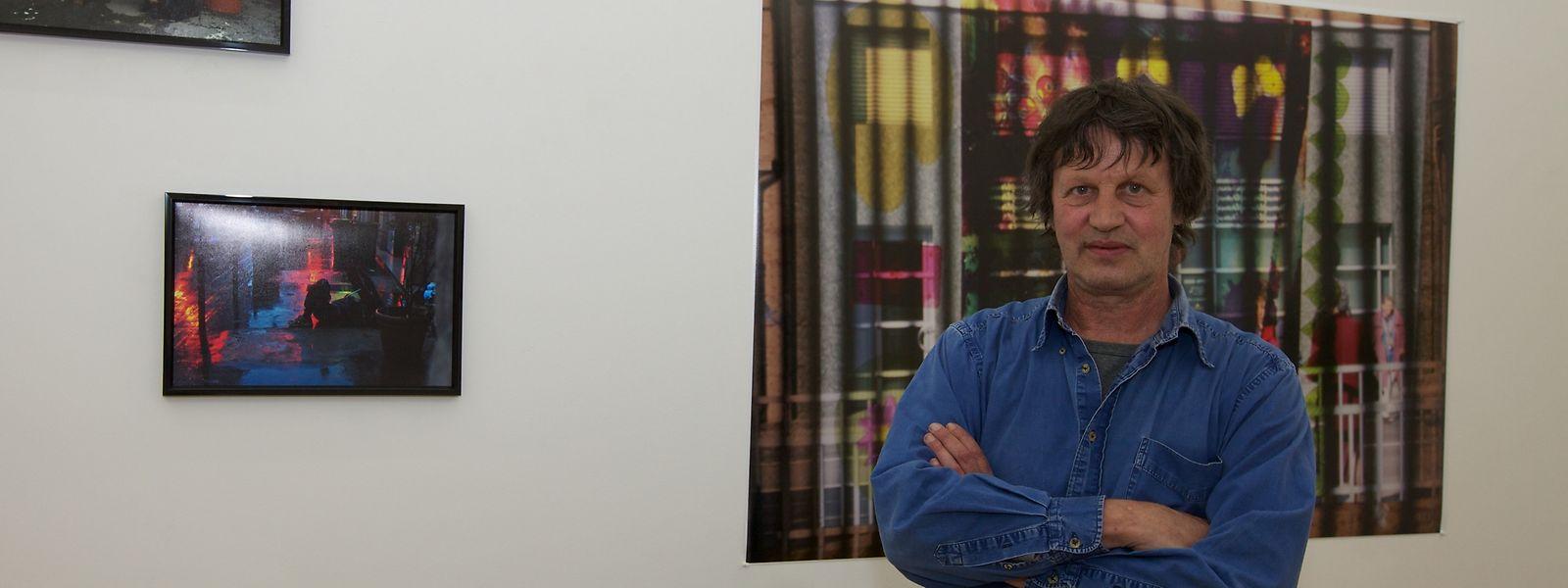"""Martin Linster 2011 bei der Eröffnung seiner Ausstellung """"Entre les lignes""""."""