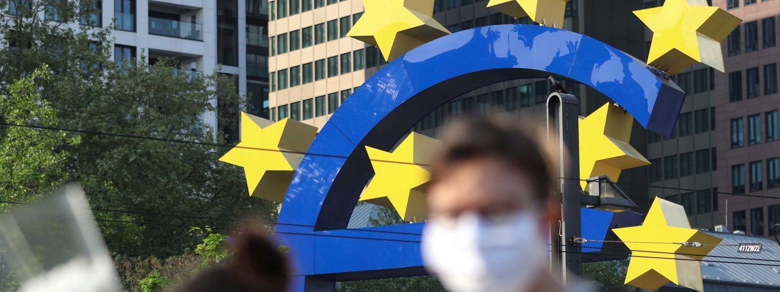 Im Mai und Juni geht es bergauf mit der Wirtschaft der Eurozone. Das vermuten zumindest die Ökonomen der EZB.