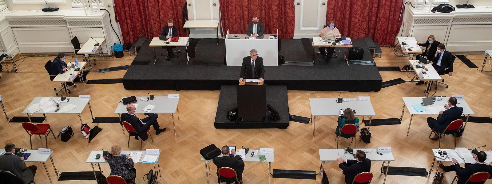 Am Freitag stimmt das Parlament über das zehnte Covid-Gesetz ab. Die aktuellen Maßnahmen werden bis zum 2. April verlängert.