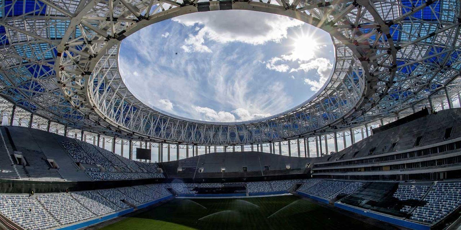 Stade Nijni Novgorod (45.000 places). Matchs disputés (6): Suède - Corée du sud (18 juin), Argentine - Croatie (21 juin), Angleterre - Panama (24 juin), Serbie - Suisse (27 juin), un huitième de finale (1er juillet), un quart de finale (6 juillet).