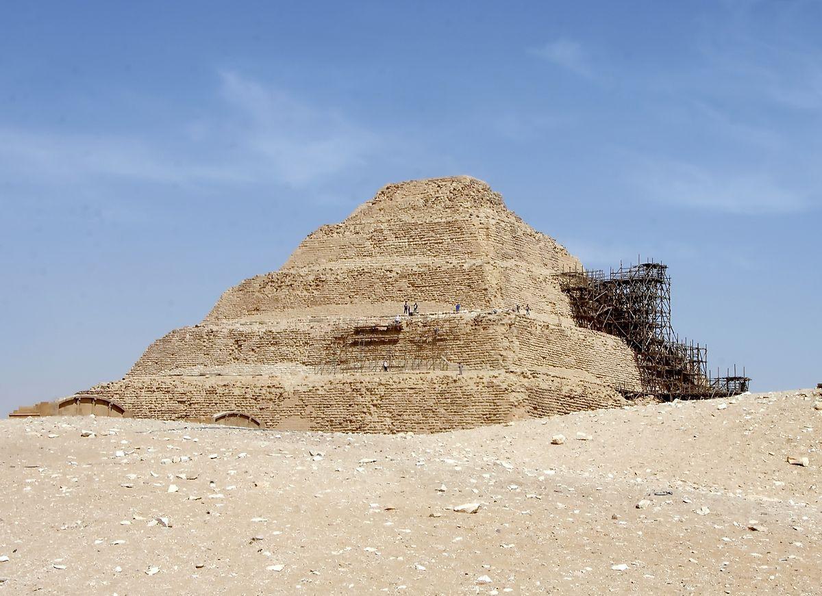 Die Stufenpyramide des altägyptischen Königs Djoser.