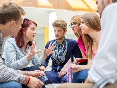 Les élèves apprendront à forger leurs propres opinions et à les confronter à celles des autres
