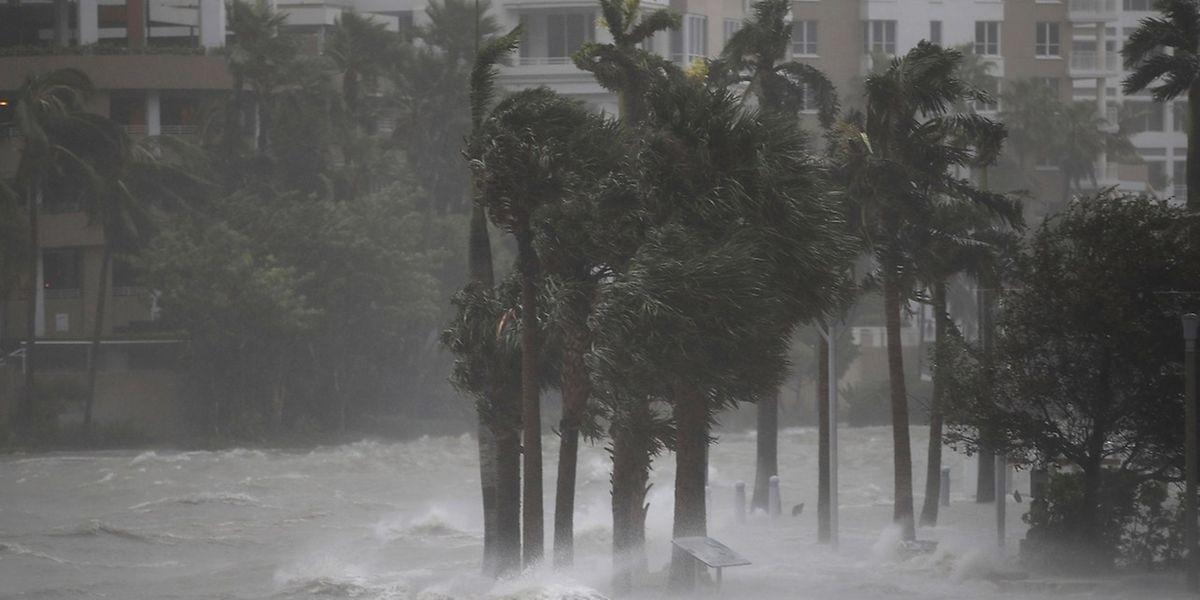 Von Fort Myers bis nach Tampa bereiten sich die Menschen auf bis zu 4,5 m hohe Sturmfluten vor.