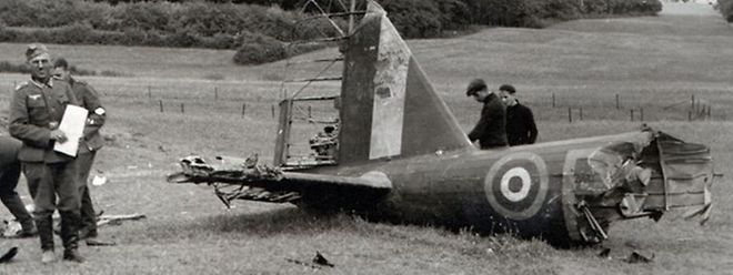 """Hier zu sehen ist die am 10. Mai 1940 bei Linger abgeschossene """"Fairey Battle"""" der Royal Air Force, geflogen von Pilot Officer Drabble."""