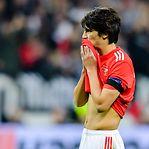 Benfica perde em Frankfurt e é eliminado da Liga Europa