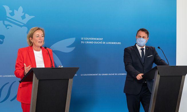 Health Minister Paulette Lenert (left) and Prime Minister Xavier Bettel (right).