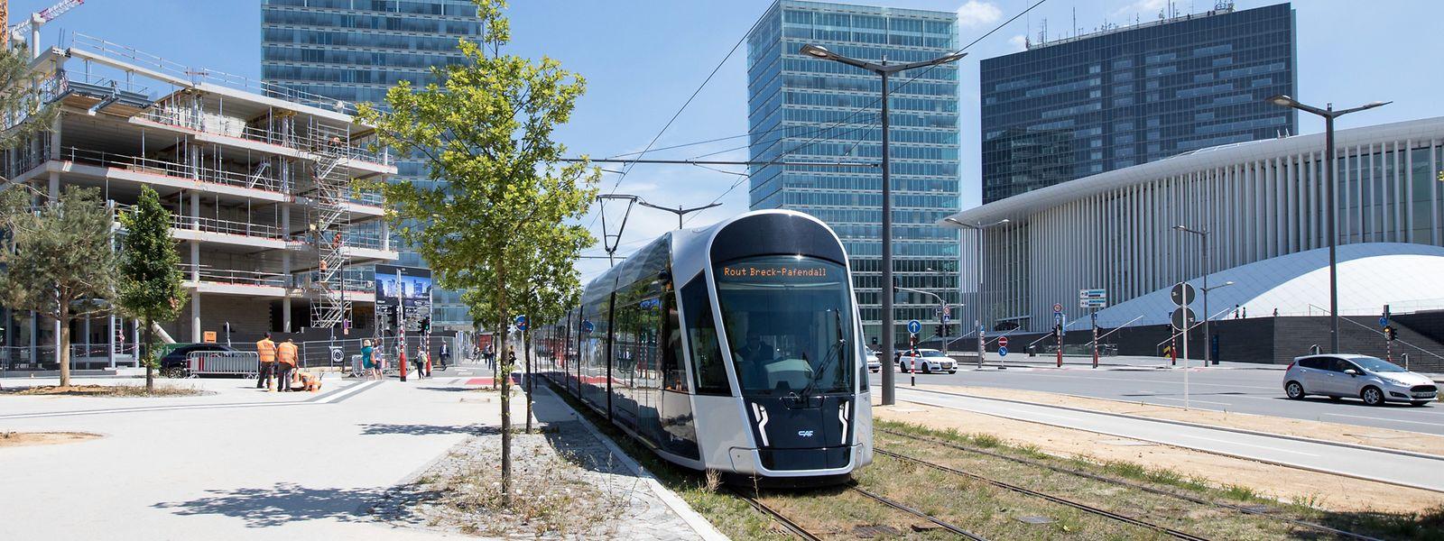 Nicht nur verkehrstechnisch, sondern auch urbanistisch habe sich mit der Tram in Kirchberg so einiges verändert, findet Infrastrukturminister François Bausch.