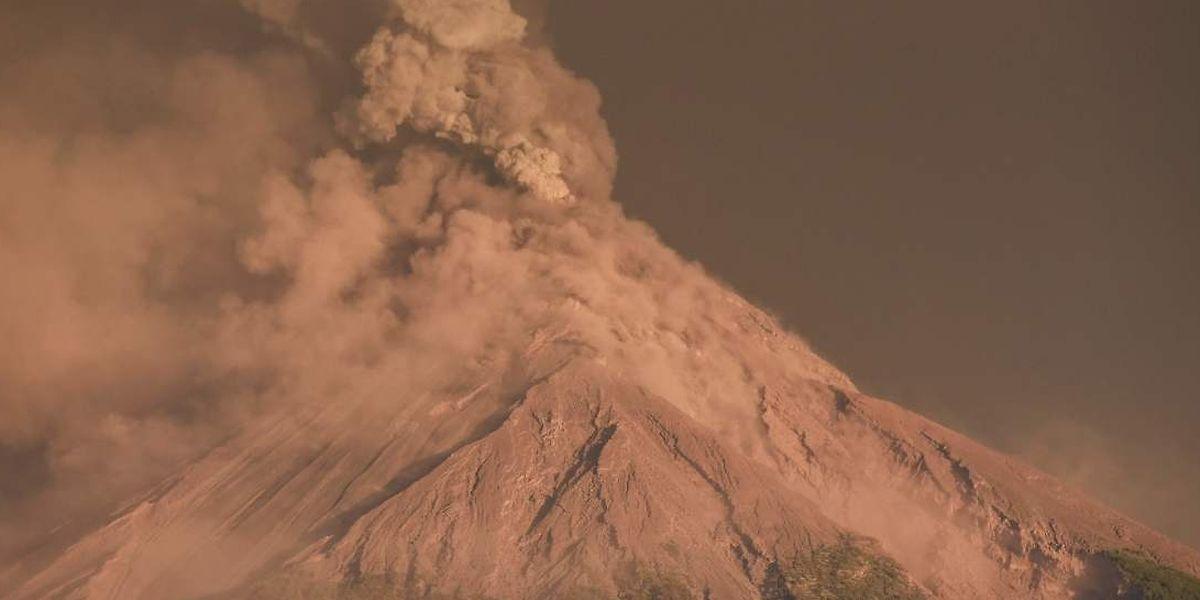 Vom Ausbruch des Feuervulkans im Juni waren 1,7 Millionen Menschen betroffen. 200 starben und es entstanden Schäden in Höhe von 219 Millionen Dollar.