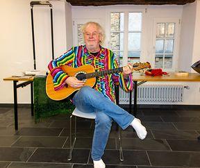 Harald Jüngst  zu Gast in der Bibliothek Tony Bourg